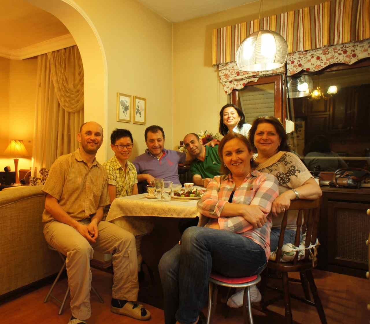 แก้งส์ร่วมมื้อเย็นวันเกิดอืซเลม