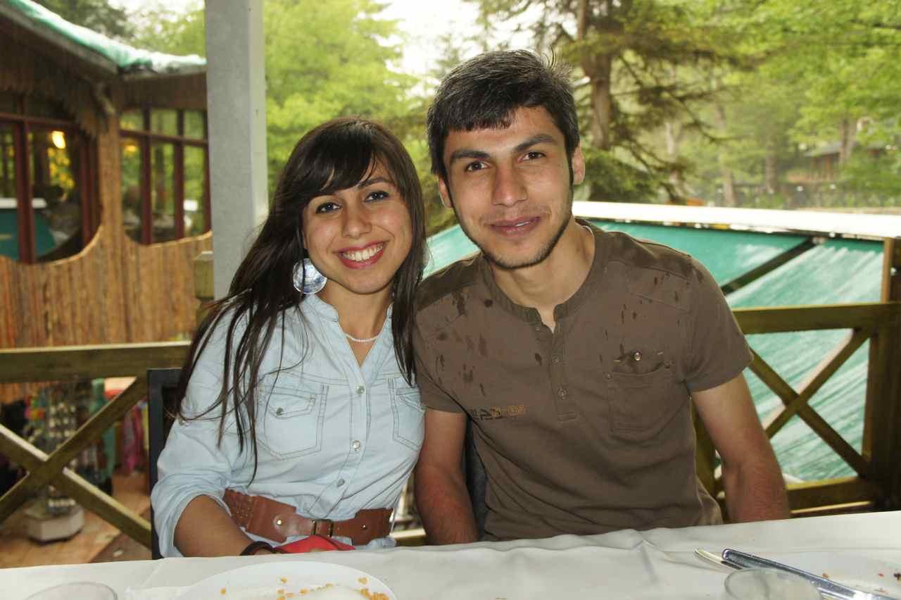 สองพี่น้องที่น่ารักพากันไปเที่ยว พี่สาวมาเที่ยวหาน้องชายที่เรียนเป็นหมออยู่ที่เมืองทรับซอน ส่วนพี่สาวเป็นครูอยู่ที่ซัมซุน