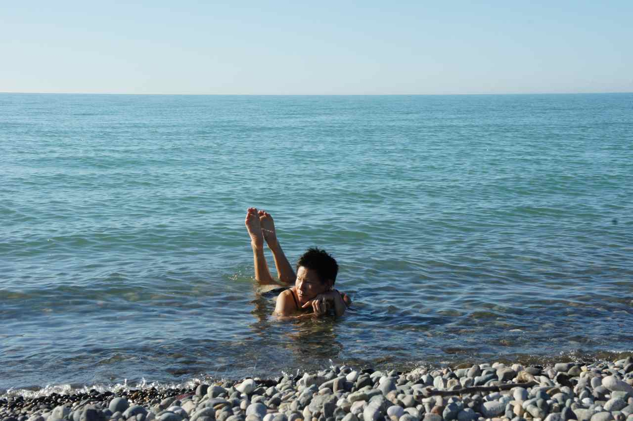 Wej cooling down in the water of the Black Sea