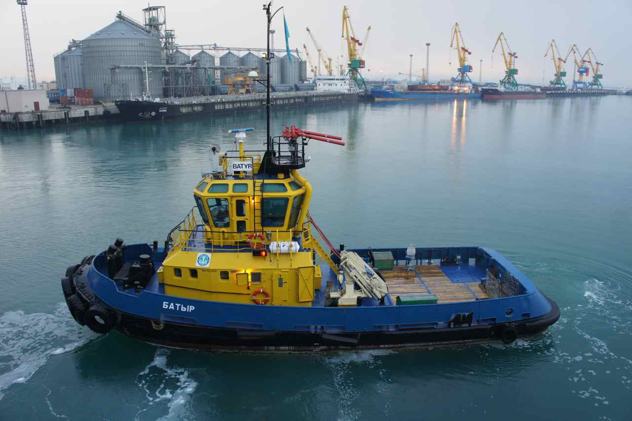 Tug boat in Aktau harbour