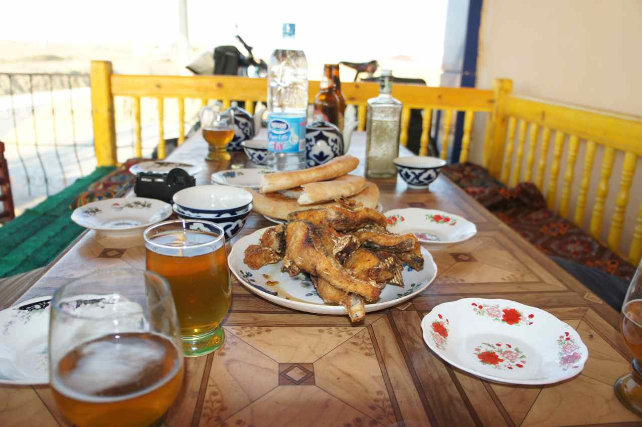 A tea house that specialized in fish dishes in the middle of the desert.