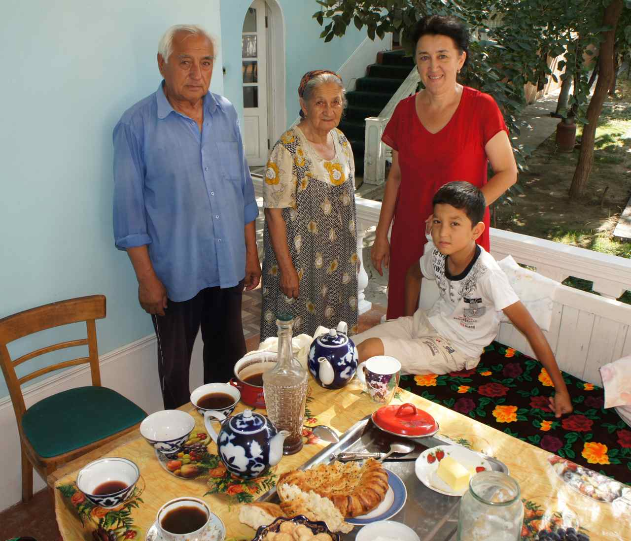 The uzbek family who invited us to a second breakfast