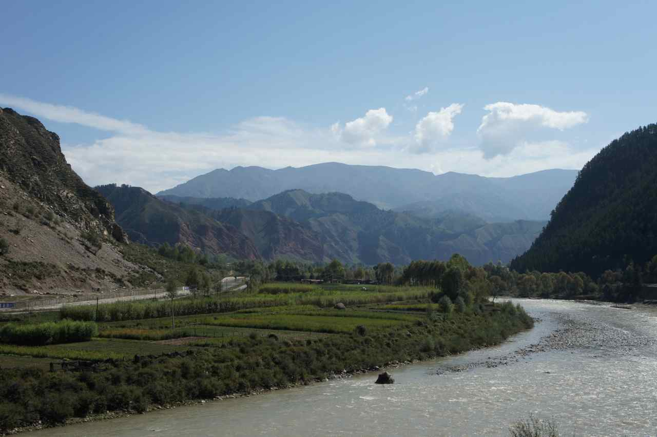 Another view of the mountains and the river