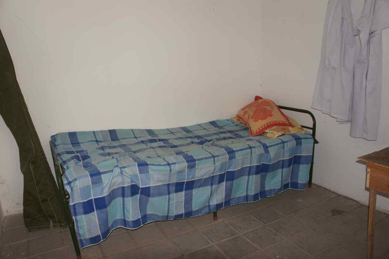ห้องนอนง่าย ๆ 3 คน 100 หยวนห้องนี้เป็นห้องเรา เวชนอนพื้นเพราะไม่ค่อยมีท่ี ตัวสั้นเลยต้องเสียสละ ;-)
