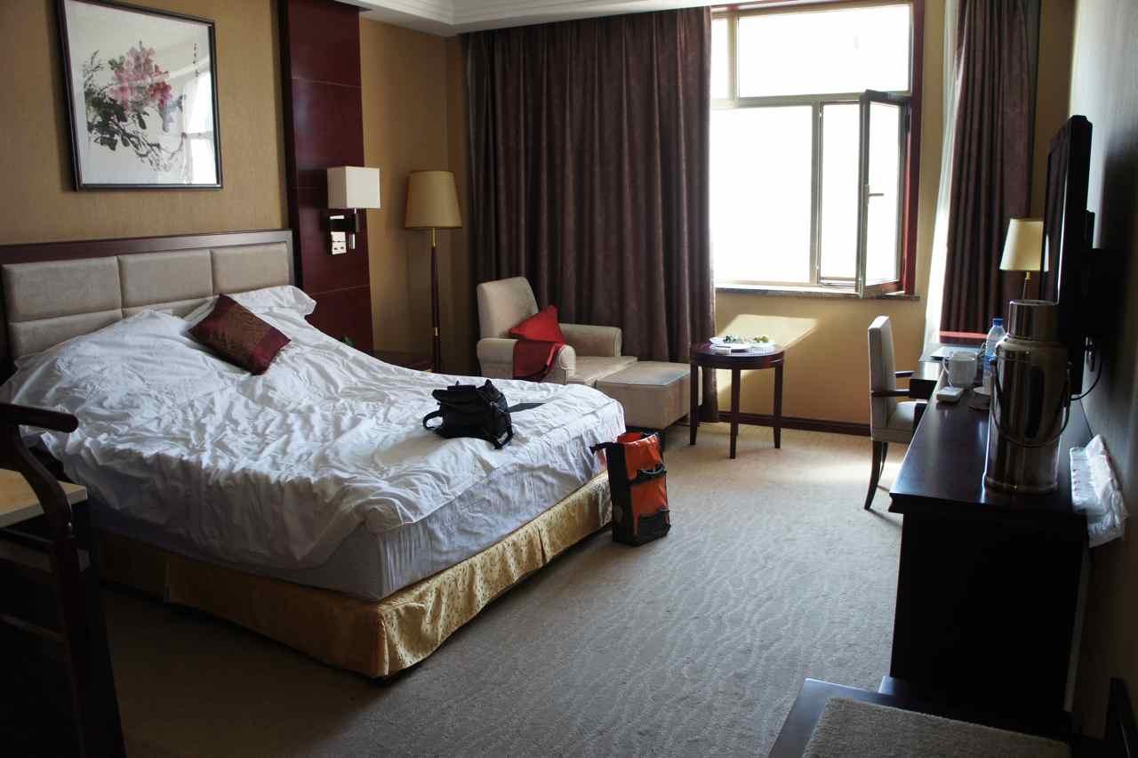 ห้องโรงแรมท่ีเพื่อนหยงฉางเป็นเจ้าของ และให้เรานอนโดยไม่คิดค่าใช้จ่ายใด ๆ สุดยอด